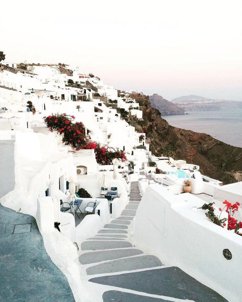 EFUB-Kara-D.-@karuh___-Paros-Greek-Islands_preview.jpeg