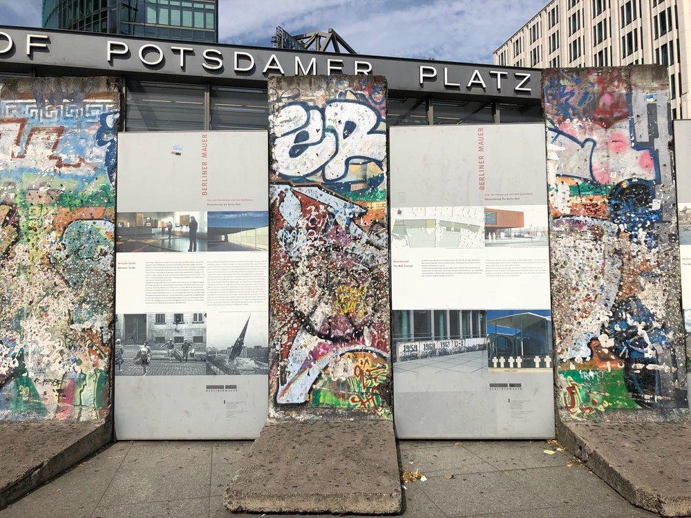 Berlin-Wall-Pieces