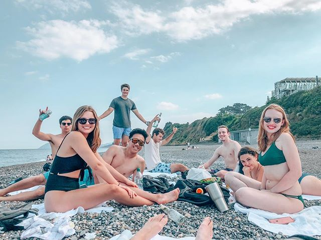 The Dublin cohort took a trip to the beach to celebrate the 4th of July in style 🇺🇸❣️🇮🇪 #ice #sagecorps2018 #scdublin18 #redfoxes •• 📸: @tatumpughtg