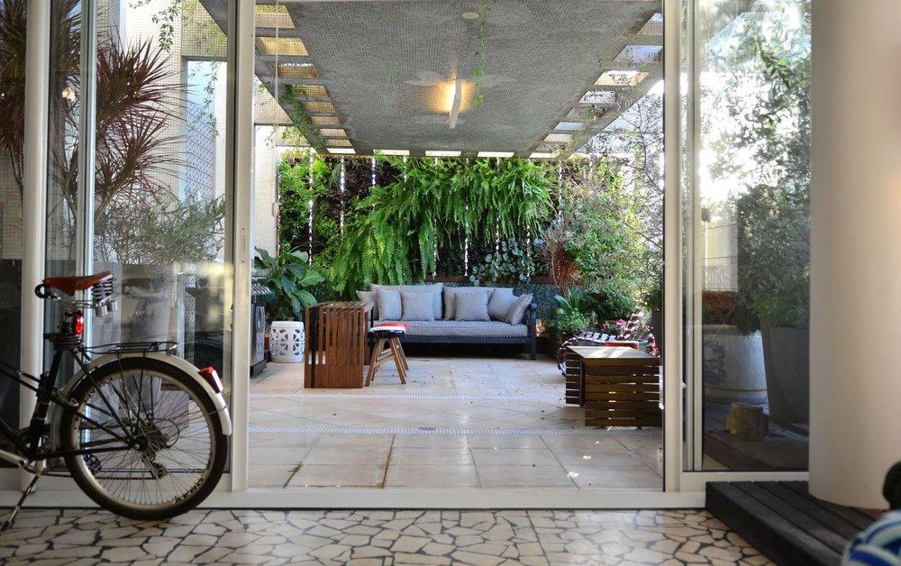 terraço com bicicleta.jpg
