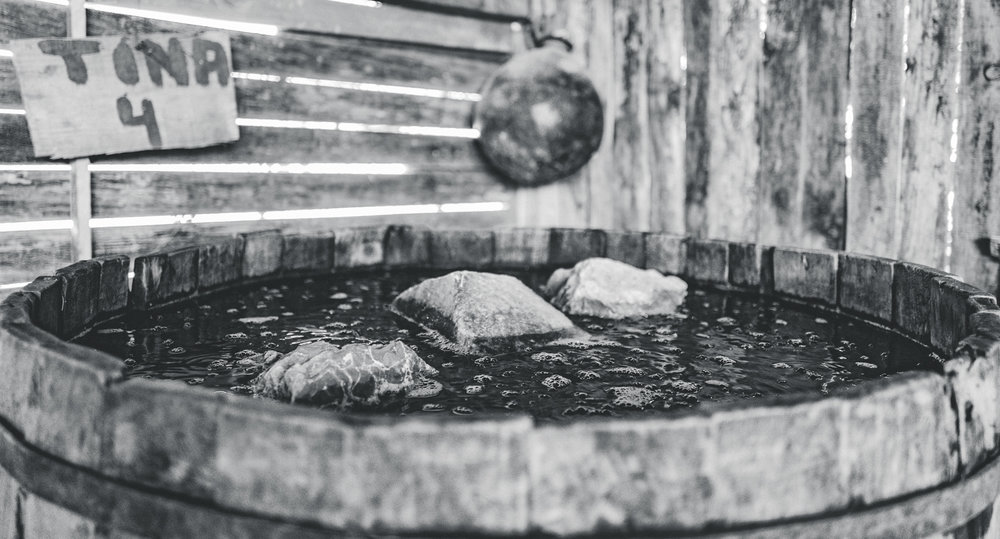 Madrecuixe mash fermenting in a large pine vat.