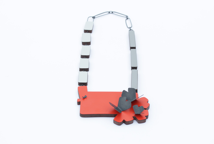 Large-necklace
