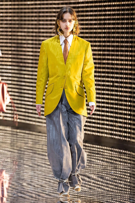 Height: 5'8  Bust: 29  Waist: 24  Shoe: UK6   Gucci AW19