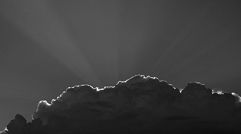 clouds-428168_1920.jpg