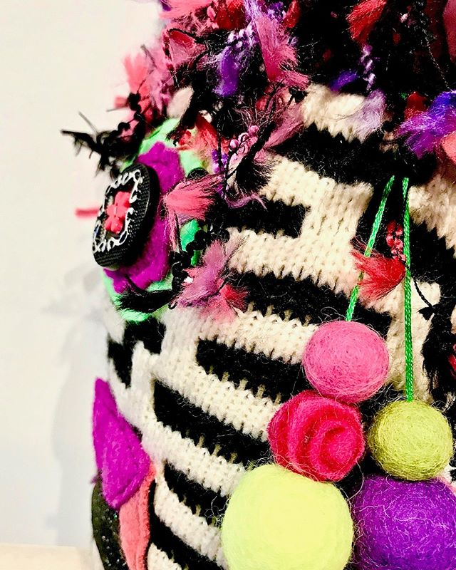 Mystery is the queen of accessories. . . . . . .  #handmade #artoftheday #handmadewithlove #creativityfound #makersmovement #finearts #monsters #colorful #textiles #making #creativehappylife #calledtobecreative #livecreatively #showyourwork #createeveryday #colorcolourlovers #patternator #fiberart #upcycled #stitchersofinstagram #projectsqueeble #beboldbecreativebeyou #contemporaryfineart #happyartistmovement #smallworks #colorcrushcreative #bayareaartist #fiberartistsofinstagram #upcycledesign #handmadewithlove❤