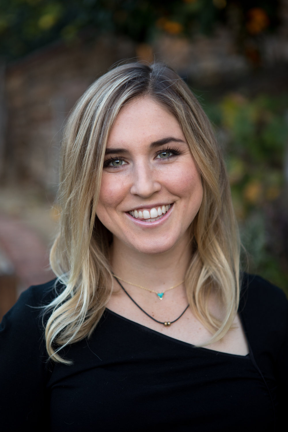 Hailey Hite - I have a passion for helping others grow, ideally through a pursuit of God. I grew up in Orange County, CA. Now I live in LA as a junior on the USC Women's Soccer Team. I've been playing soccer as well as riding horses since I was 5. I'm also studying accounting and business. Aside from being a student-athlete, I'm involved in other things on campus. I live in Delta Gamma sorority and help lead a Christian ministry for the sorority/fraternity Greek life at USC.