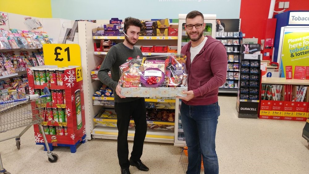 hamper tesco.jpg