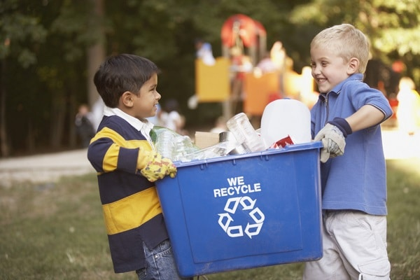 kids-carrying-recycling-bin.jpg