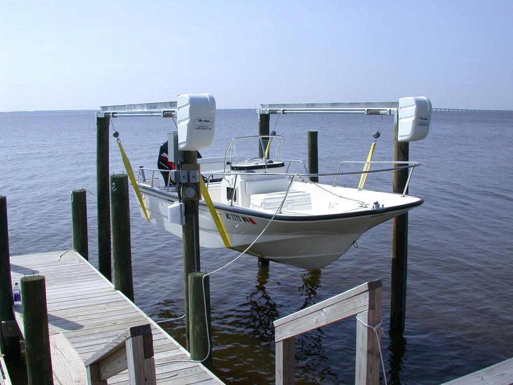 hi-tide-boat-lifts-pwls-6.jpg