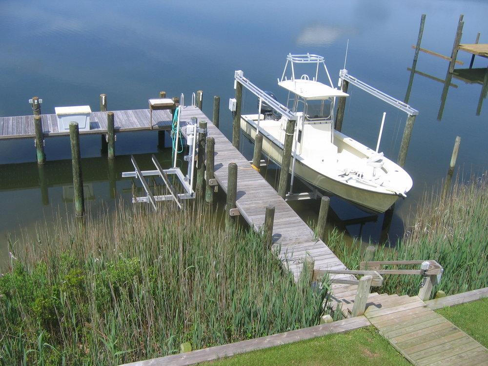 hi-tide-boat-lifts-pwls-1.jpg