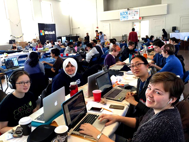 Photo by Marina Cheng '17 | Students work during Hack@Smith, the second annual hackathon hosted by Smithies in CS.