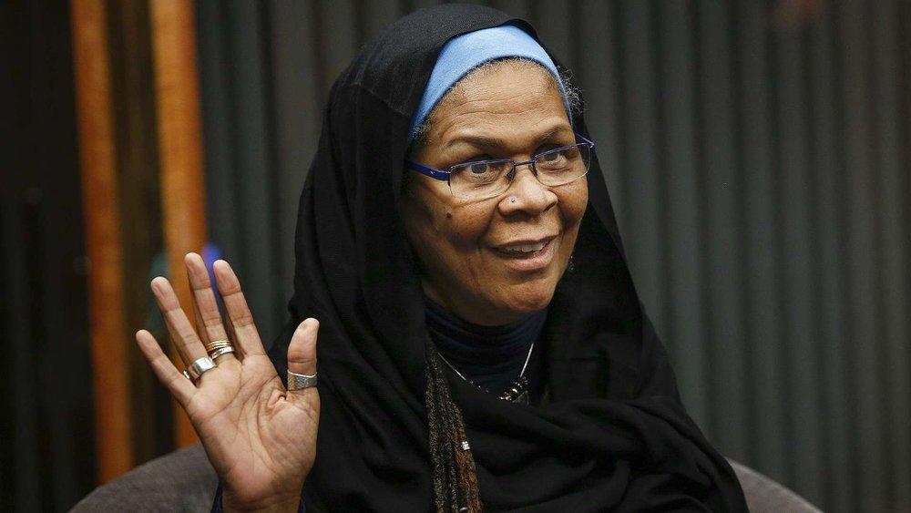 Photo Courtesy of afterposten.no ||Progressive scholar of Islamic studies D.r Amina Wadud speaks at Smith College.