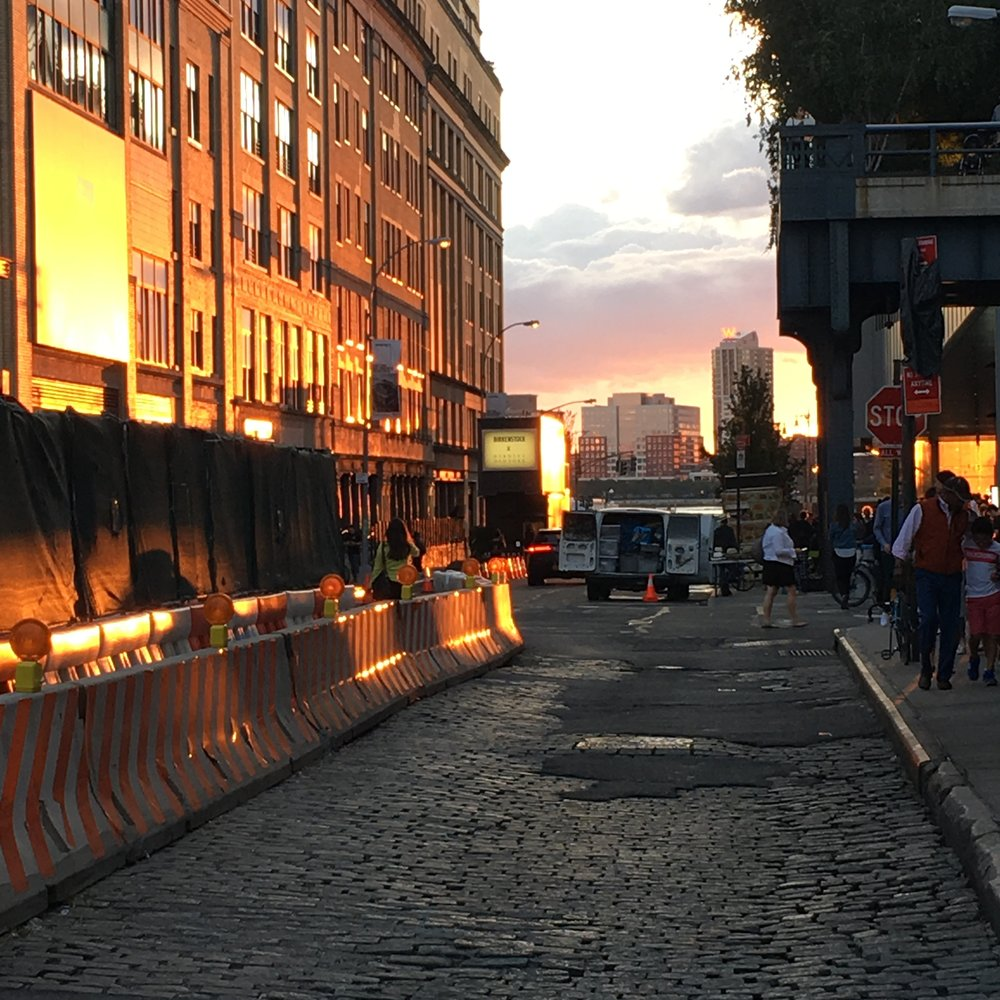Sunset in Meatpacking District. Photography: Allison Jane (@Thestoryofajane)