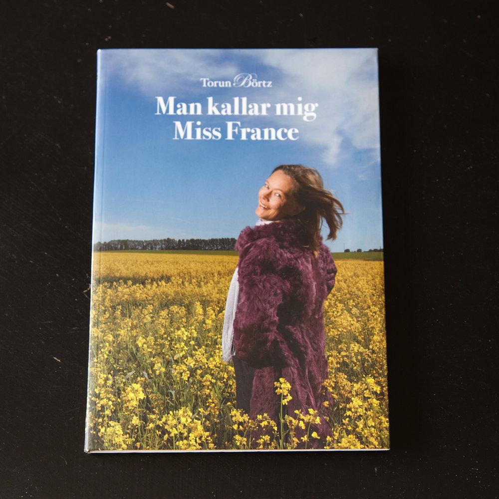 Man kallar mig Miss France är en samling självbiografiska kåserier skrivna av författaren Torun Börtz. Kåserierna handlar om livet som utrikeskorrespondent och ensamstående småbarnsmamma i världsmetropolen Paris.