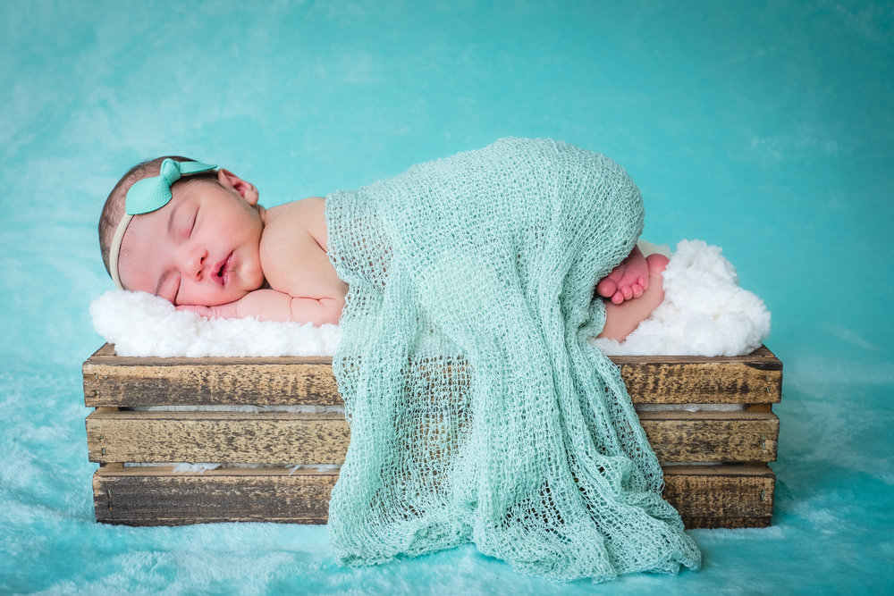 2018_Newborn_BabyBlakely-3.jpg