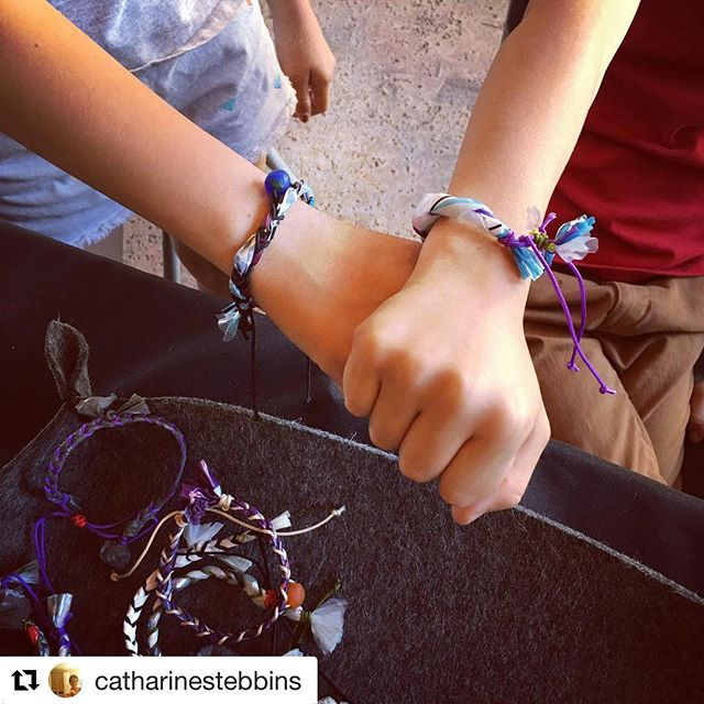 #Repost @catharinestebbins ・・・ Trash Treasure friendship bracelets-keeping plastic bags out of the landfill Stop by Mohave Desert Land Trust today until 4:00 Support local artists @mojavedesertlandtrust @roughplayprojects @bkbceramics @jt_gem_co 🌏 #earthday2018