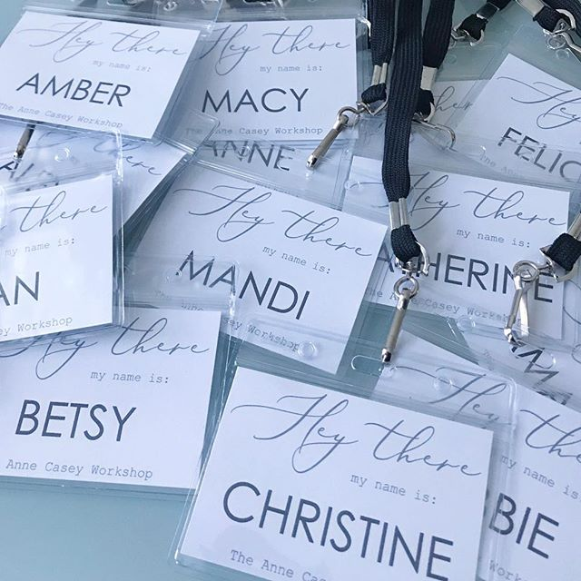 It's been less than a week since I attended the #annecaseyworkshop and I am still over the moon with excitement about meeting all the attendees. It was also such an honor to create the name tags for the workshop. Looking forward to some upcoming collaborations too 💙