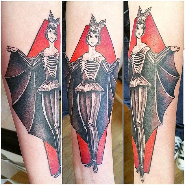 By Curtis @curtisdeestairs #westseattletattoo #tattoo #cutetattoos #linework #tattooidea #bodyart #inked #artist #ink #artoftheday #colortattoo #tattoosnob #tattooartistmagazine #inkedmag #flash #tattooflash #tattooart #boldwillhold #skinart #bluegeishatattoo