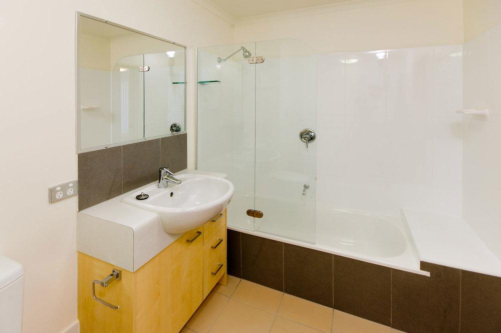 Central-Park-North---Bathroom.jpg