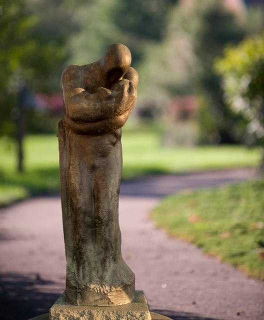 1998 Bronze 170 x 62 x50 cm