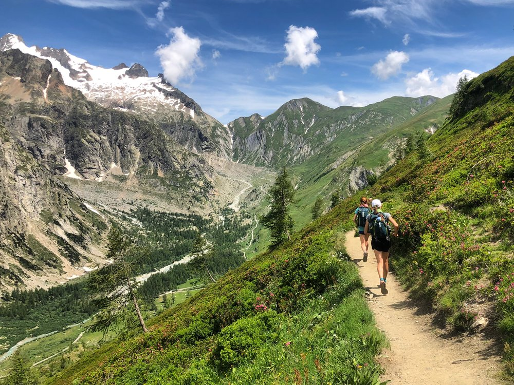 Enjoy a panorama of the Mont Blanc massif on your Self-Guided Runcation of the Tour du Mont Blanc