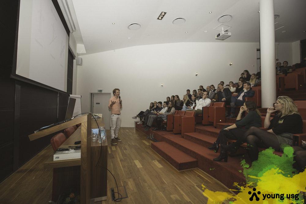 millennial spreker lezing millennial dagvoorzitter generaties stress management burn-out onder millennials
