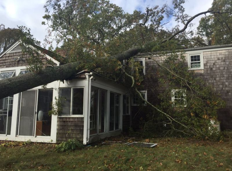 Fairhaven, ma area roof damage insurance claim.