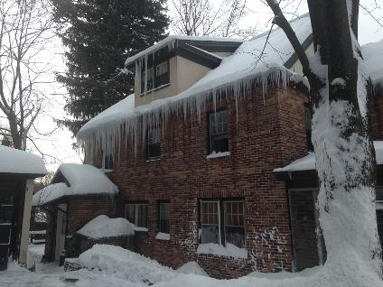 Mansfield, ma area winter storm snow/ice roof damage insurance claim.