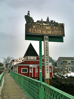Kennebunk, maine welcome sign.