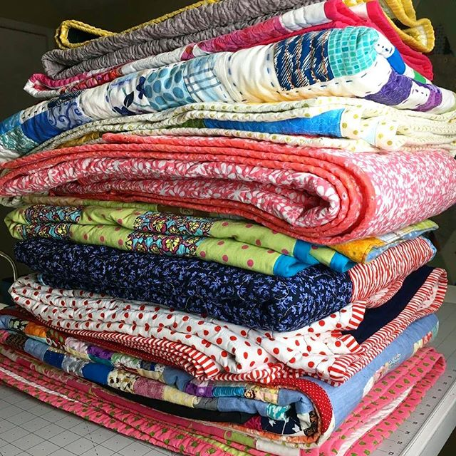A quick update: More than a dozen of you amazing quilters have volunteered to help us with our 2019 @michaelmillerfabrics collaboration quilts. We're still waiting on some of the supplies to come together so we can make kits for you. In the meanwhile:  1) Please support financially. We will shortly be shipping kits and quilts back and forth across the country, and we need help buying those labels! (Link in profile) 2) We need quilts! We have children and partner organizations waiting for quilts, so if you have tops or quilts to donate, we'll take them and find them a loving home! (Link in profile: www.quiltsforcure.org )  Thank you! 💛