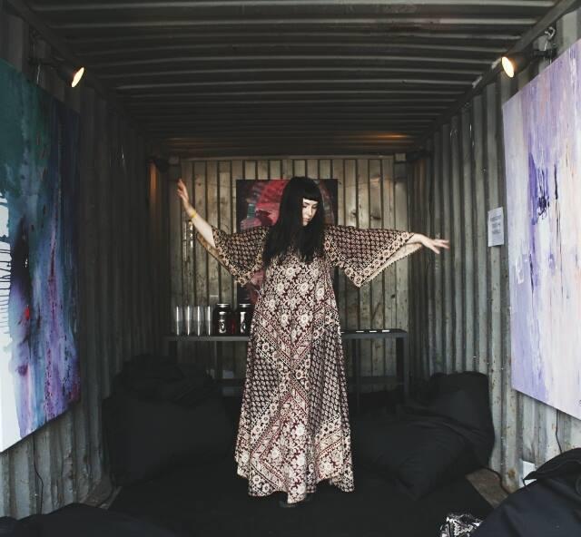 Näyttely Ruisrockin Niittylavan backstagella 2017