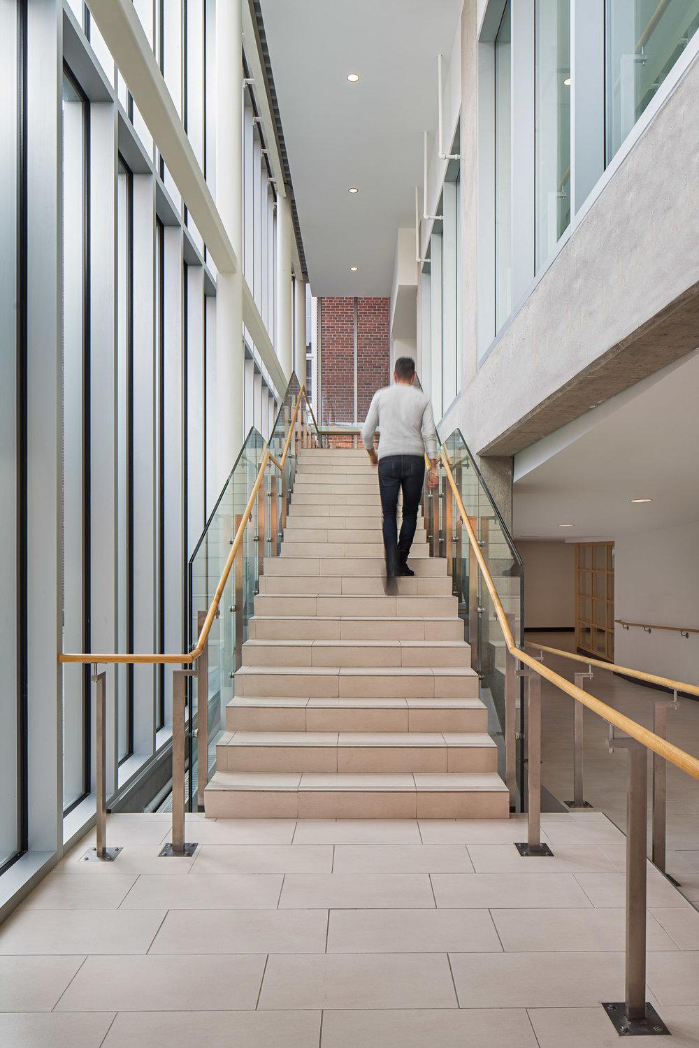 Staircase 01 2048.jpg