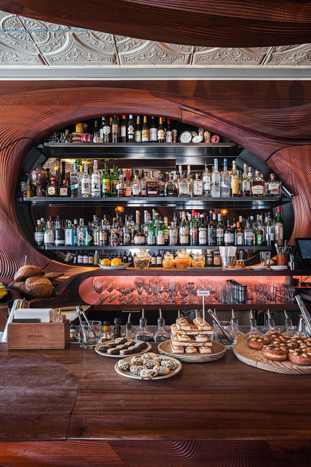 Bar Raval 07 2048.jpg