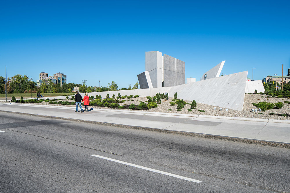 National Holocaust Monument 02 2048.jpg