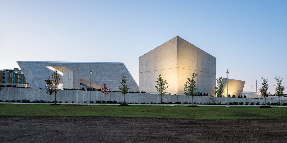 National Holocaust Monument 08 2048.jpg