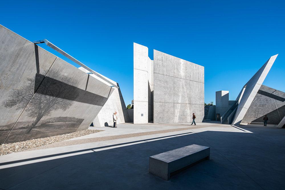 National Holocaust Monument 17 2048.jpg