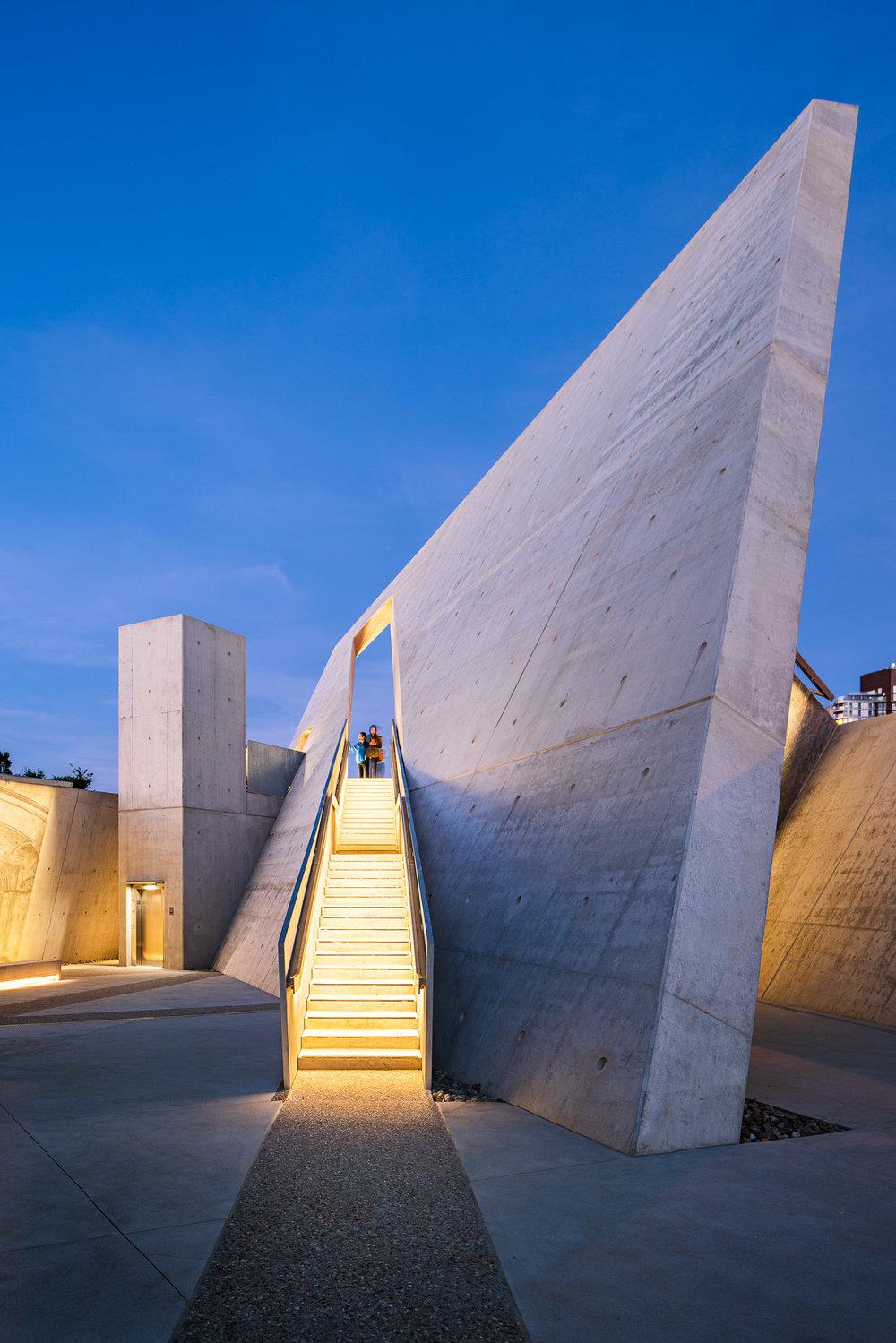 National Holocaust Monument 25 2048.jpg