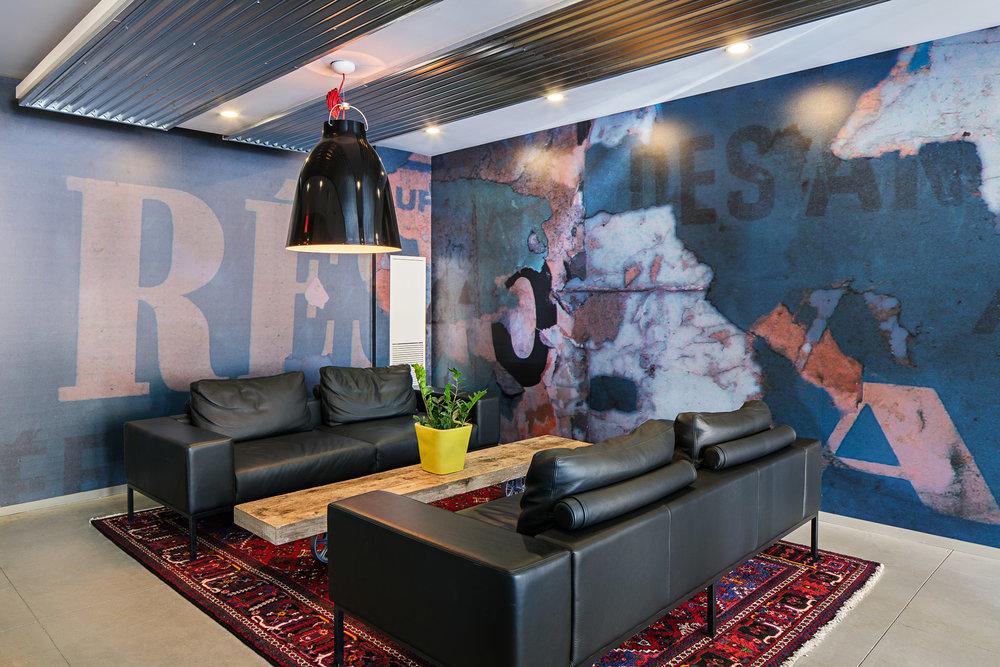 FIVE Interior 01 2048.jpg