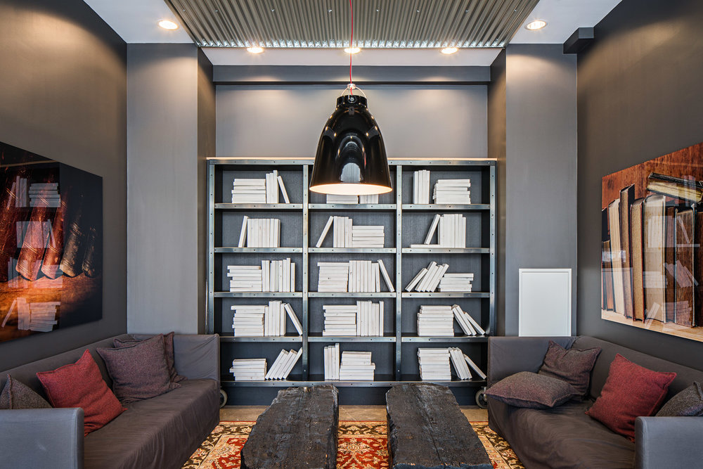 FIVE Interior 08 2048.jpg