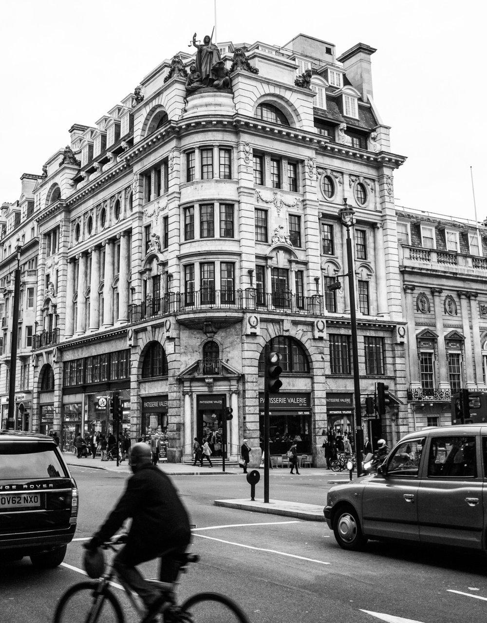 332 - Crossing in London