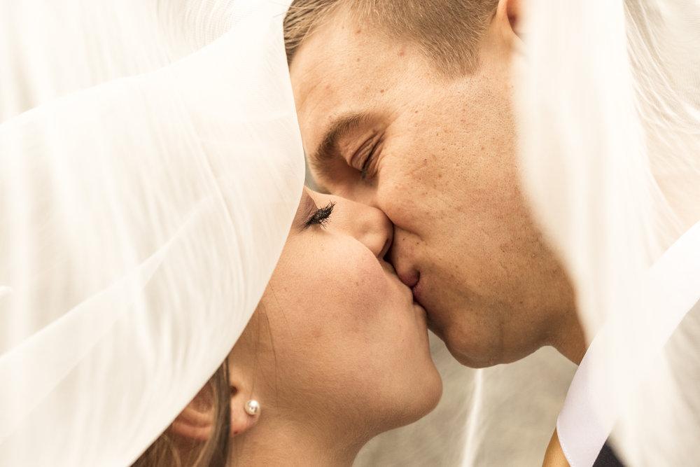 BBPhotoBig Cottonwood CanyonUtah Winter Wedding02.JPG