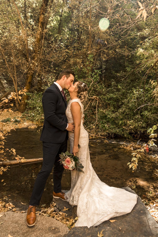 BBPhoto Utah Fall Wedding First Look Bridal Session09.JPG