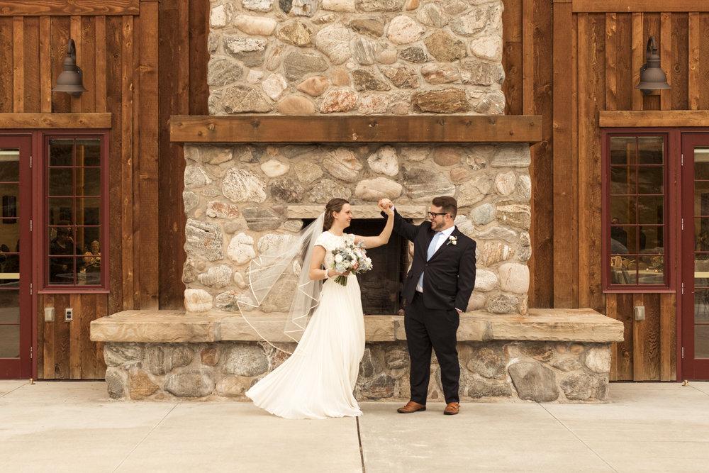 Utah Spring Wedding in a rustic barn by Bri Bergman Photography05.JPG