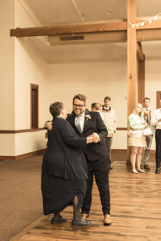 Utah Spring Wedding in a rustic barn by Bri Bergman Photography17.JPG