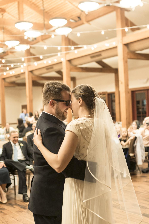 Utah Spring Wedding in a rustic barn by Bri Bergman Photography19.JPG