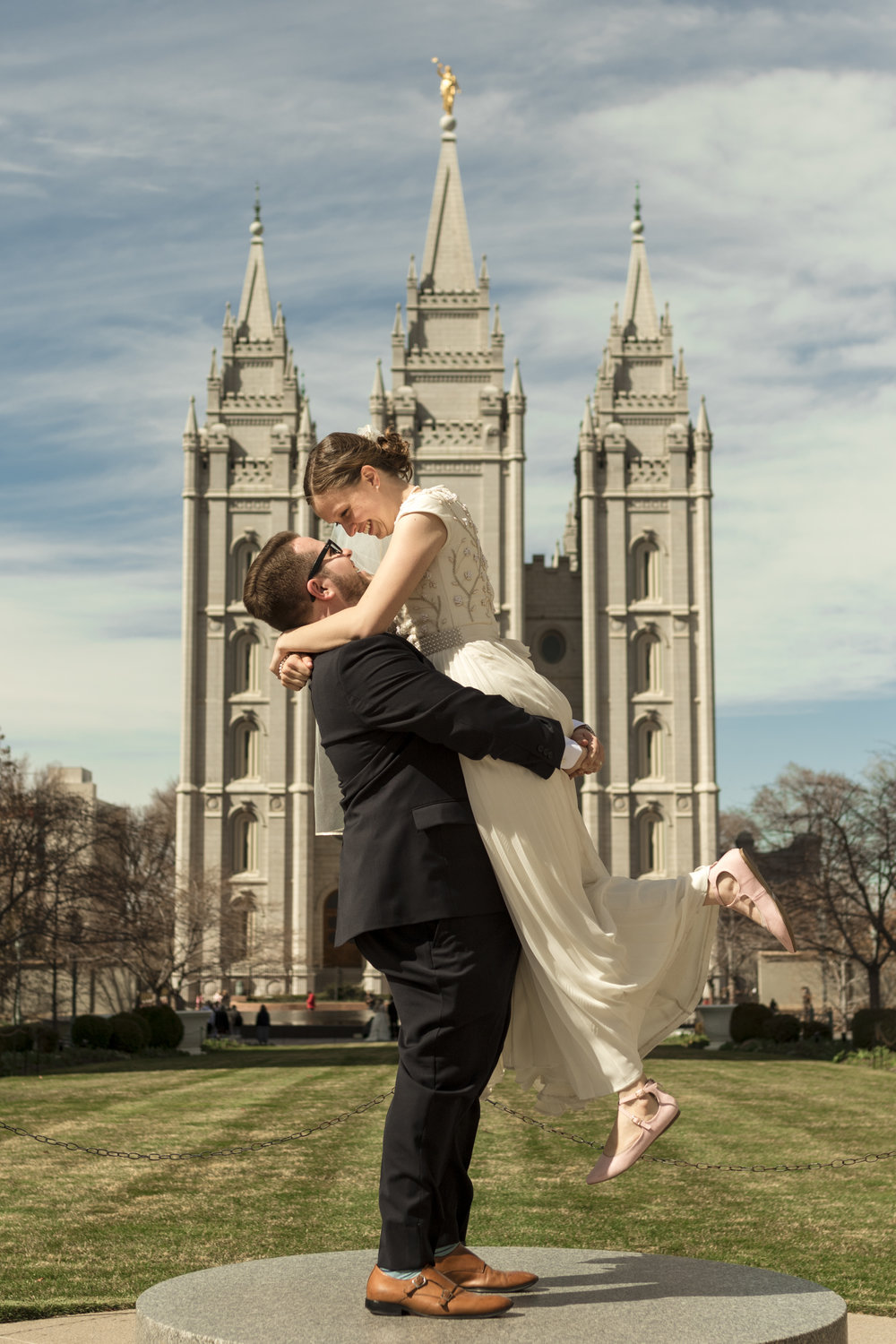 Utah Spring Wedding at the Salt Lake City Temple by Bri Bergman Photography08.JPG