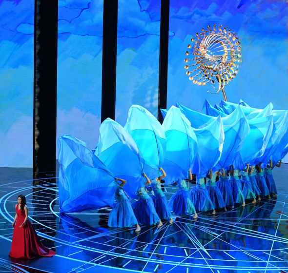Lucea II makes an appearance in the 89th Academy Awards - Feb 26, 2017Lucea II appeared behind the actress and singer Auli'i Cravalho singing