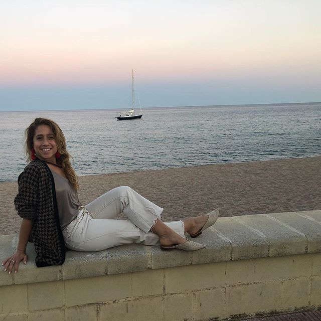 Hola España.  Sailboats, espadrilles and rosé. Blessed AF ✨ • #balance#travelyogi#travellife#stayintheflow#liveyourbestlife#yogisinclothes#sailboat#sunset#costabrava#blanes