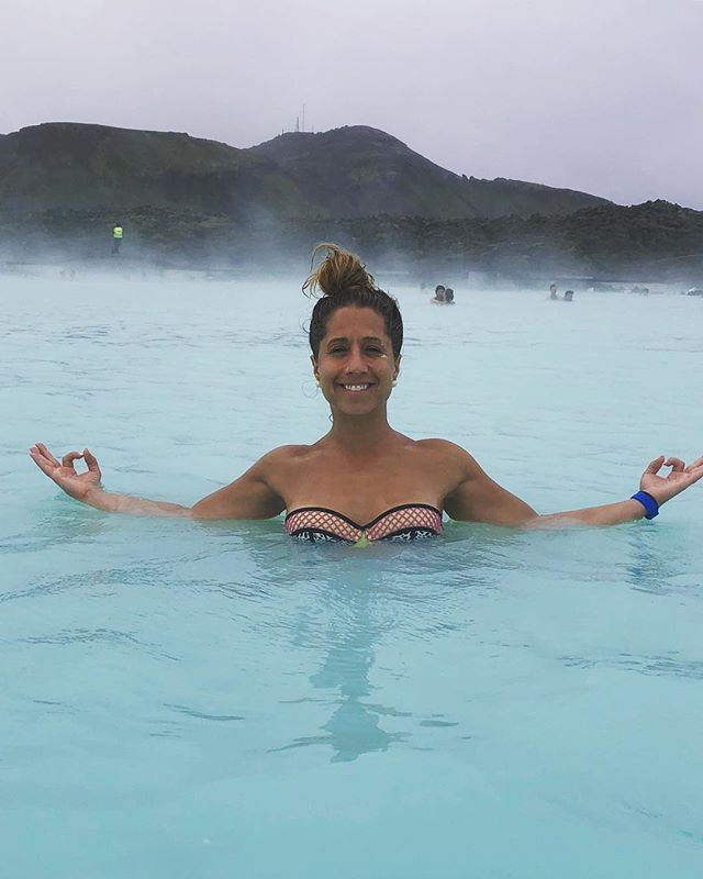 Woke up in a Blue Lagoon.  #liveyourbestlife • Back in NYC tomorrow...come get your yoga on: Thursday: 6am & 7am Y7 Tribeca 5:45pm Y7 BK • Friday: 12pm Sacred BK 5:30 & 6:45pm Y7 USQ • Saturday: 9am Y7 BK • Sunday: 9am, 10:10am, 11:30am Y7 BK  See you on the mat. • #travel#revitalization#saltwaterhealseverything#moveyourbody#moveyourmind#yogalife#yogateacher#iceland#bluelagoon#dreamlayover