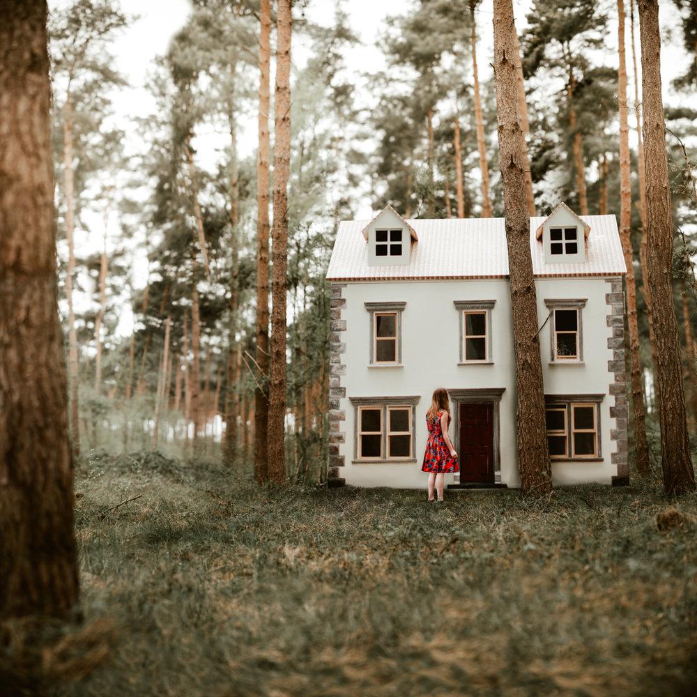 Dolls house 2.jpg